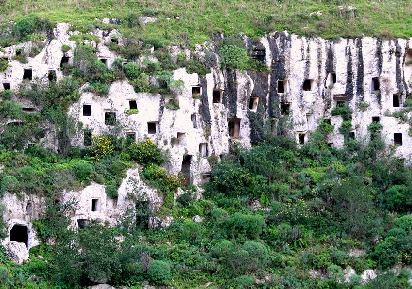 La riserva di Pantalica un esempio di turismo per il Parco degli Iblei