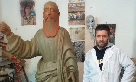 Cropped Leone Con Statua San Paolo.jpg