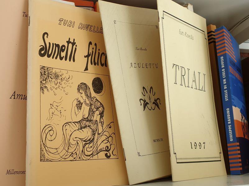 Opuscoli di Poesie di Turi Rovella che regalava agli amici