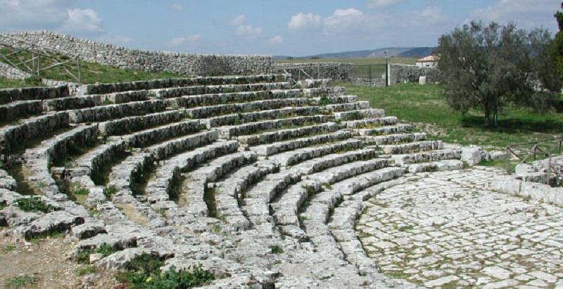 Palazzolo Acreide un'immagine del Teatro Greco di Akrai