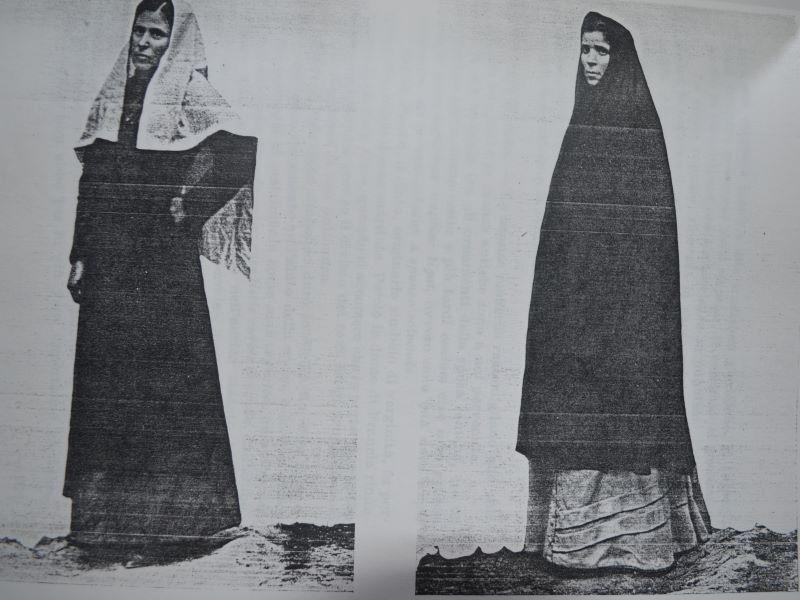 Abiti Medievalizzanti, foto particolari dalla Sicilia Feudale, di Alessandro Italia del 1940