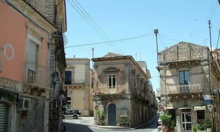 Palazzolo e le vie che portano al centro storico, tutelate con il piano