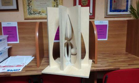 Il modellino del monumento realizzato dall'Avis