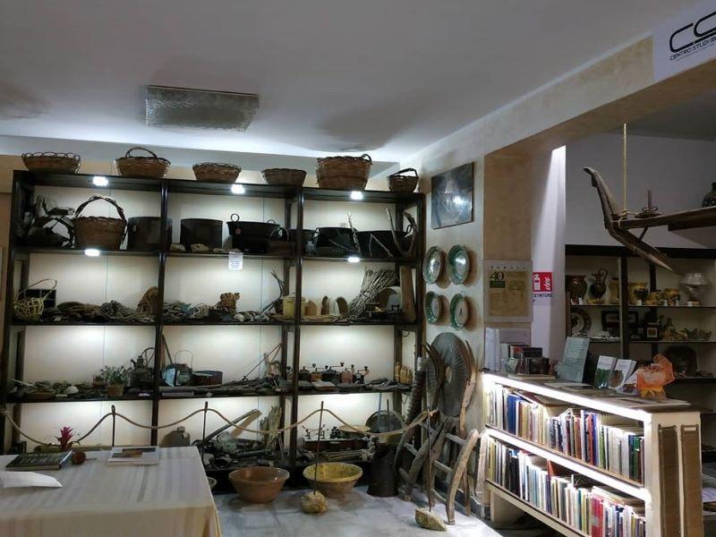 Associazione Centro Studi Iblei Interno: oggetti del lavoro contadino