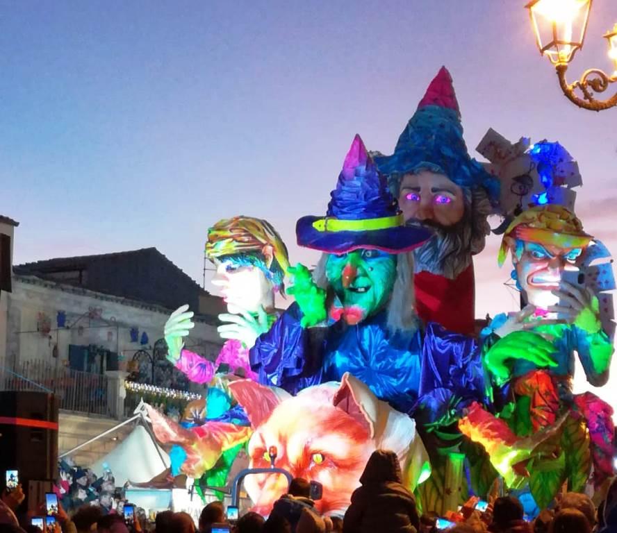 Carro secondo nella classifica del Carnevale di Palazzolo