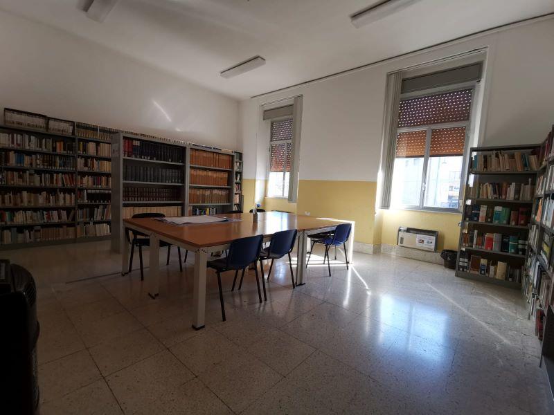 Sala Studio Biblioteca comunale D'Albergo