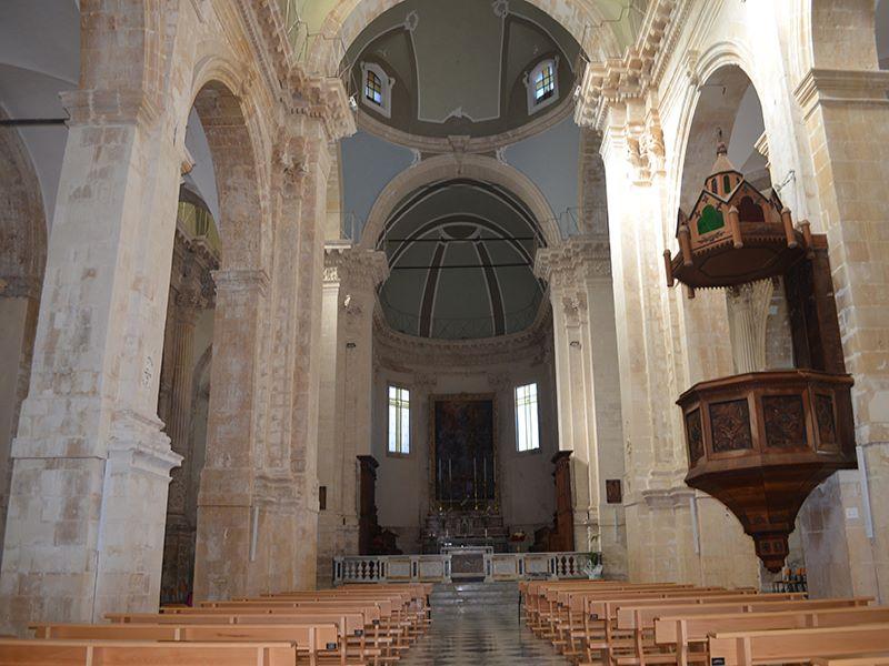Il regno Dei Martini. Chiesa Madre dove gli Alagona andavano a seguire la messa d'Alba