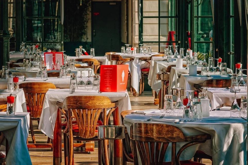 I ristoranti e la fase 2, nuove regole per le aperture