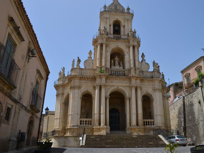 Quartiere dell'Annunziata: vicino Chiesa San Paolo