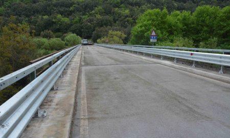 Strada per Pantalica attraverso il Ponte Fiume Anapo