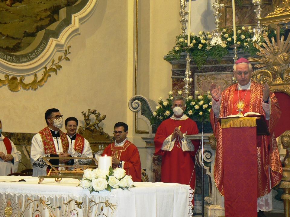 parrocchia san Sebastiano, celebrazione con l'arcivescovo Pappalardo