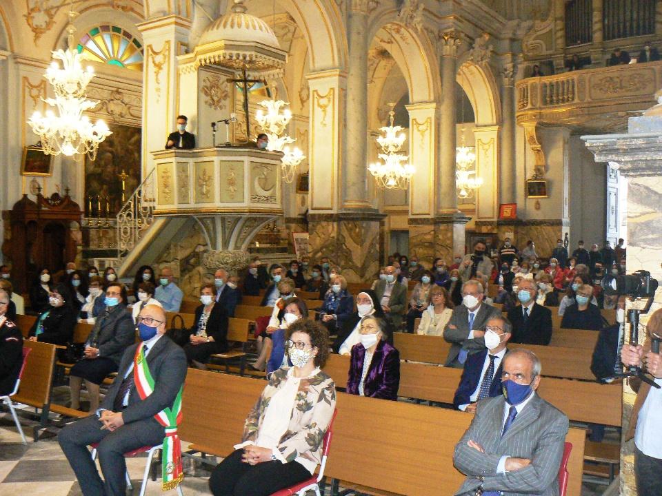 parrocchia San Sebastiano con i fedeli