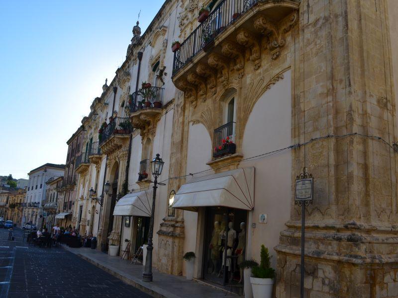 Ascesa dei notabili: Palazzo Judica, posto nel quartiere di San Sebastiano