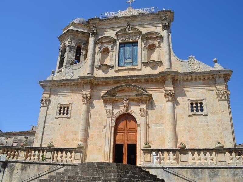 Architetture della Val di Noto, Chiesa San Michele