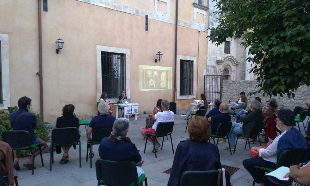 Meraki ha promosso diversi incontri culturali a Palazzolo