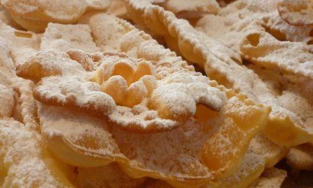 Frappe di carnevale. dolci tipici