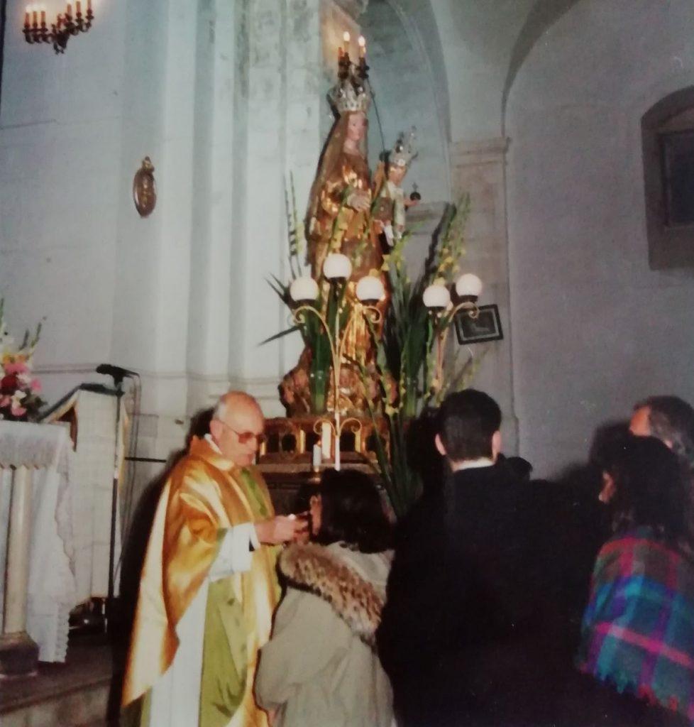 Padre Sebastiano Teodoro in chiesa Annunziata Natale 1991 (foto Ugo Santoro)