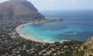 La costa della città: uno dei tanti motivi per cui visitare Palermo.