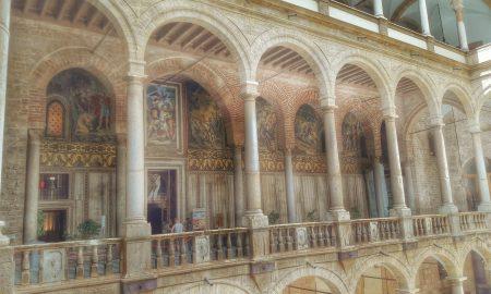 Rex Siciliae: Colpo d'occhio sullo splendido esterno della Cappella Palatina