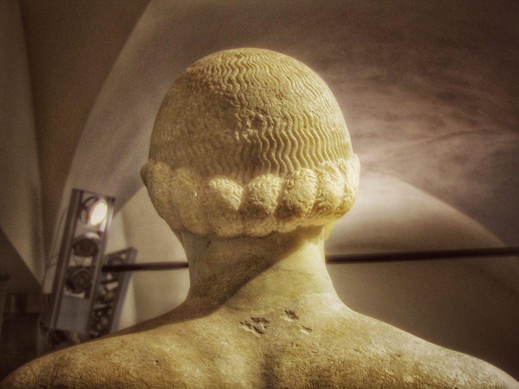 Kouros ritrovato: la giuntura dei due elementi che lo compongono