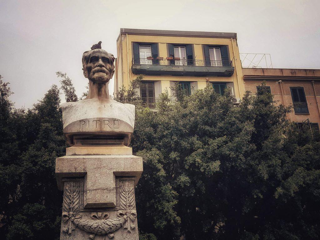 I tesori di Pitrè: busto dello studioso a piazza Sant'Oliva