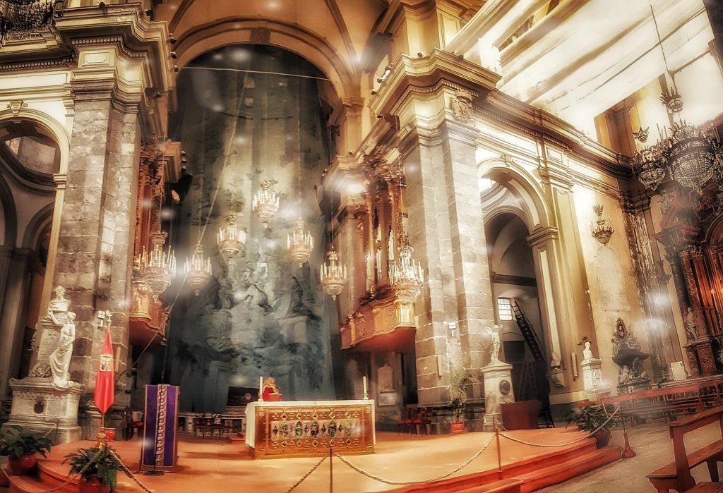 teatralità della Pasqua: la tela della Chiesa di San Domenico, fra le più grandi d'Europa