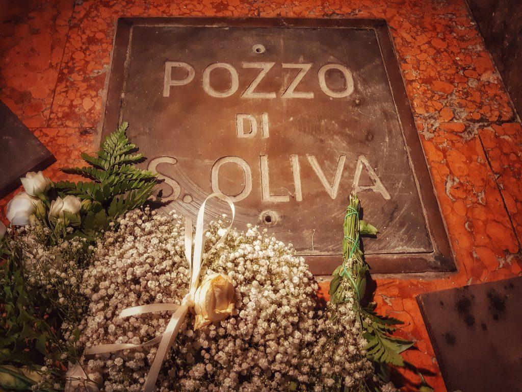 Oliva da Palermo: la botola di ingresso al pozzo