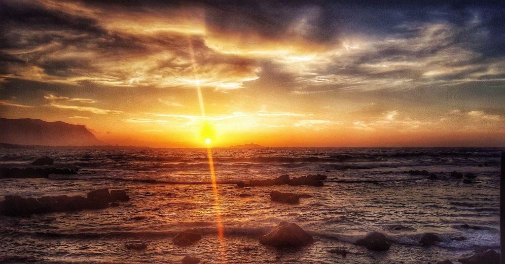 Consigli da mare: i tramonti di Sferracavallo