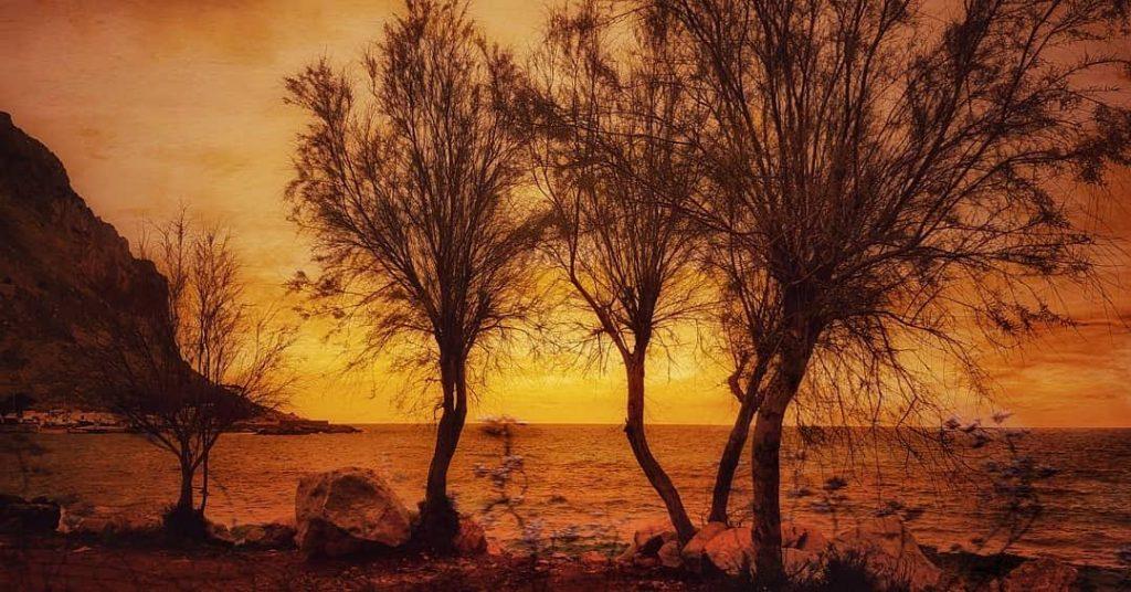 Mondello in estate: la magia del tramonto a Capo Gallo