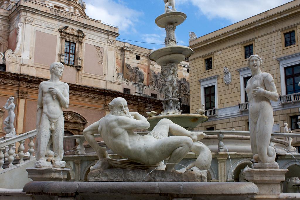 Fontana Pretoria, Piazza Pretoria, Palermo