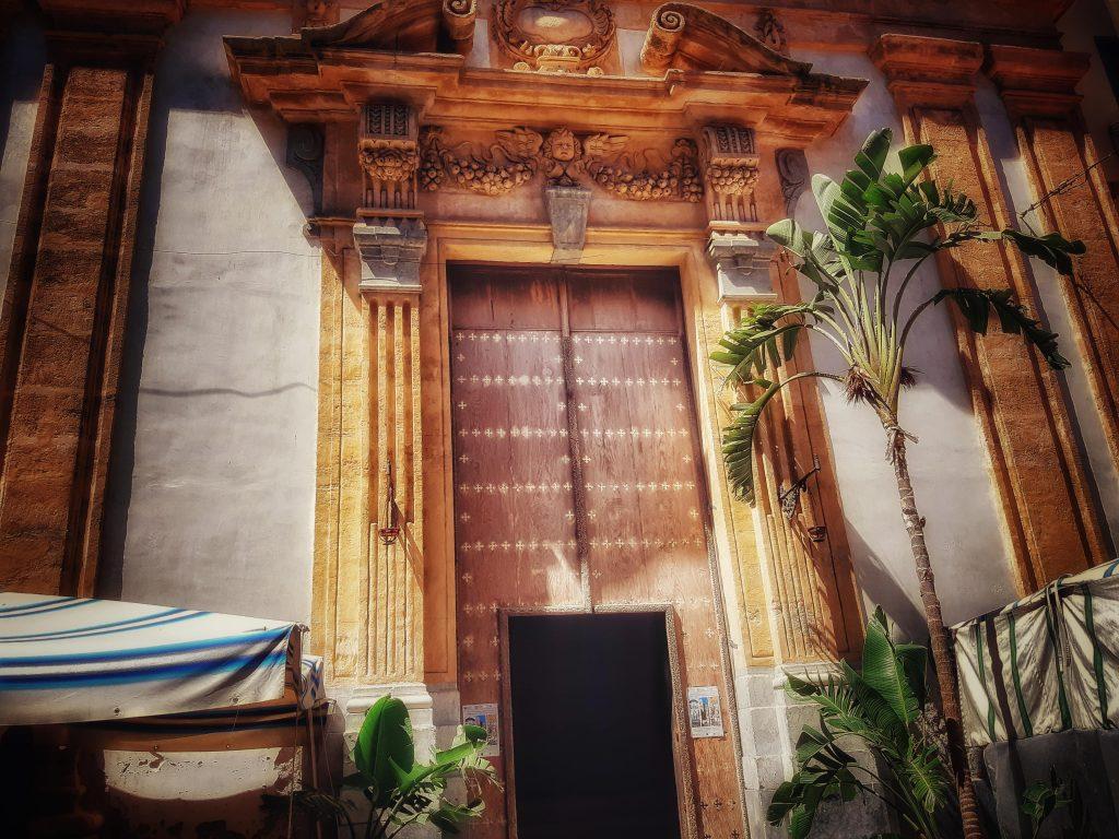 Incantesimo del silenzio: la chiesa dell'Immacolata Concezione al Capo apre le porte