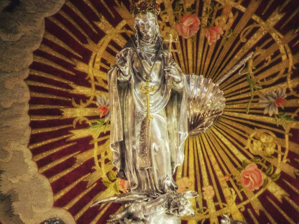 Effige di Santa Rosalia sull'arca delle sue reliquie