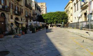 Palermo in zona rossa, strade deserte