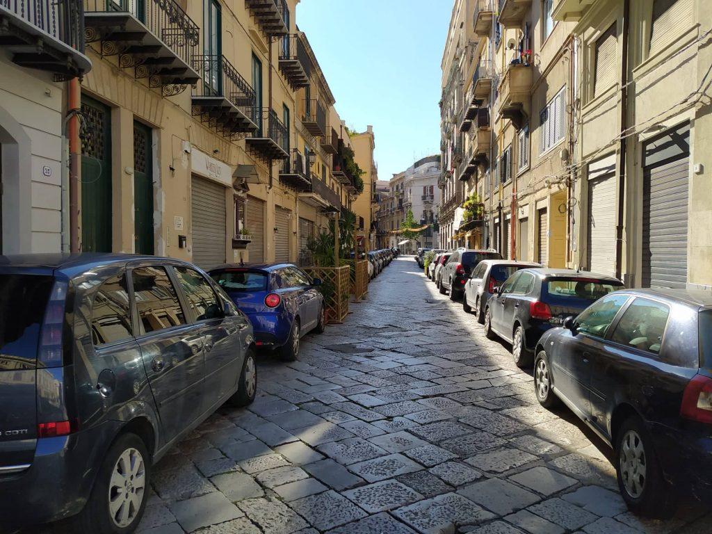 via Grande Lattarini