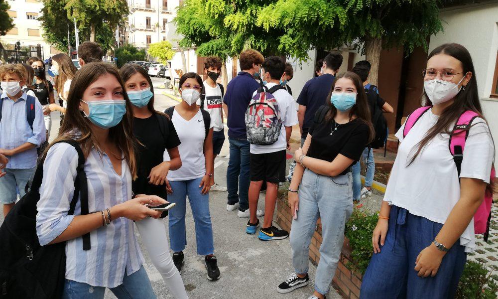 Studenti palermitani rientrano a scuola