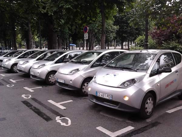 Bluecar Autolib' Parigi