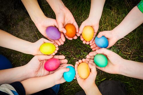 La caccia alle uova, una tradizione che anima ogni anno tantissimi parchi parigini durante le vacanze di pasqua
