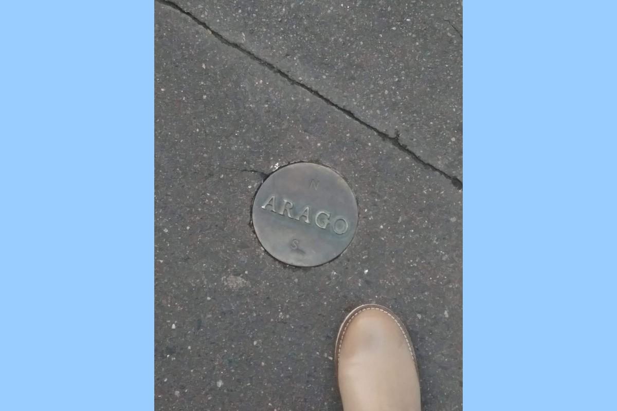 Piscine a Parigi - Medaglione Arago Parigi