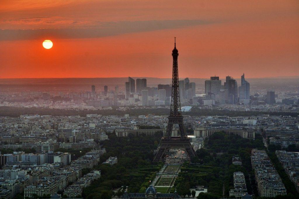 Entrare In Italia Dalla Francia - Tour Eiffel