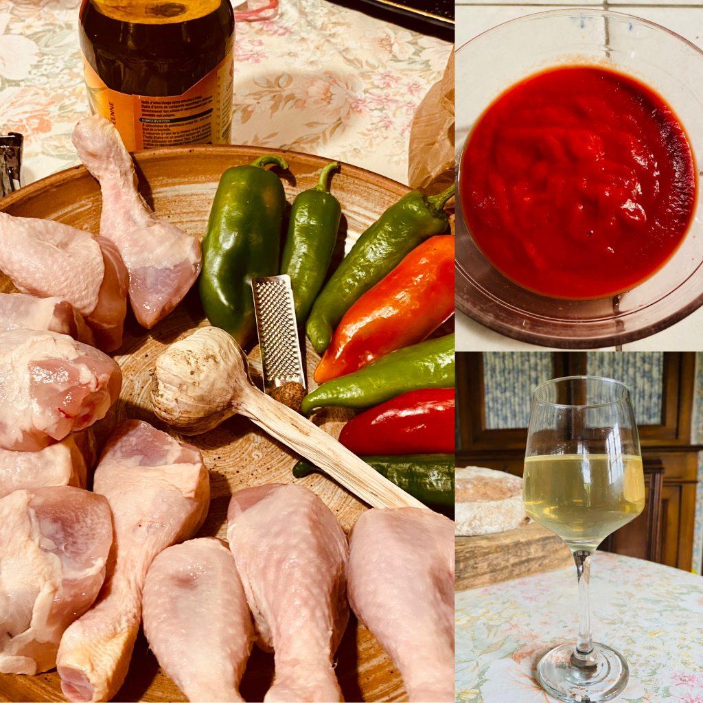 Gli ingredienti del pollo con i peperoni