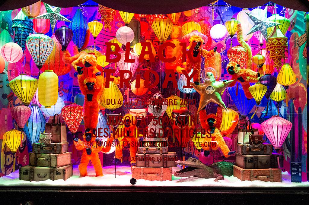 Le vetrine delle Galeries Lafayette - lanterne in vetrina