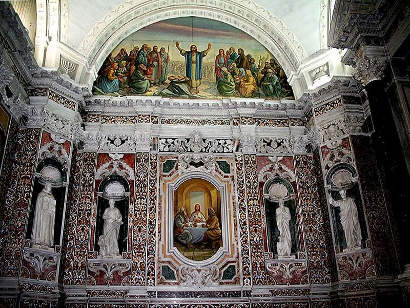 Duomo di Reggio Calabria - l'interno della chiesa