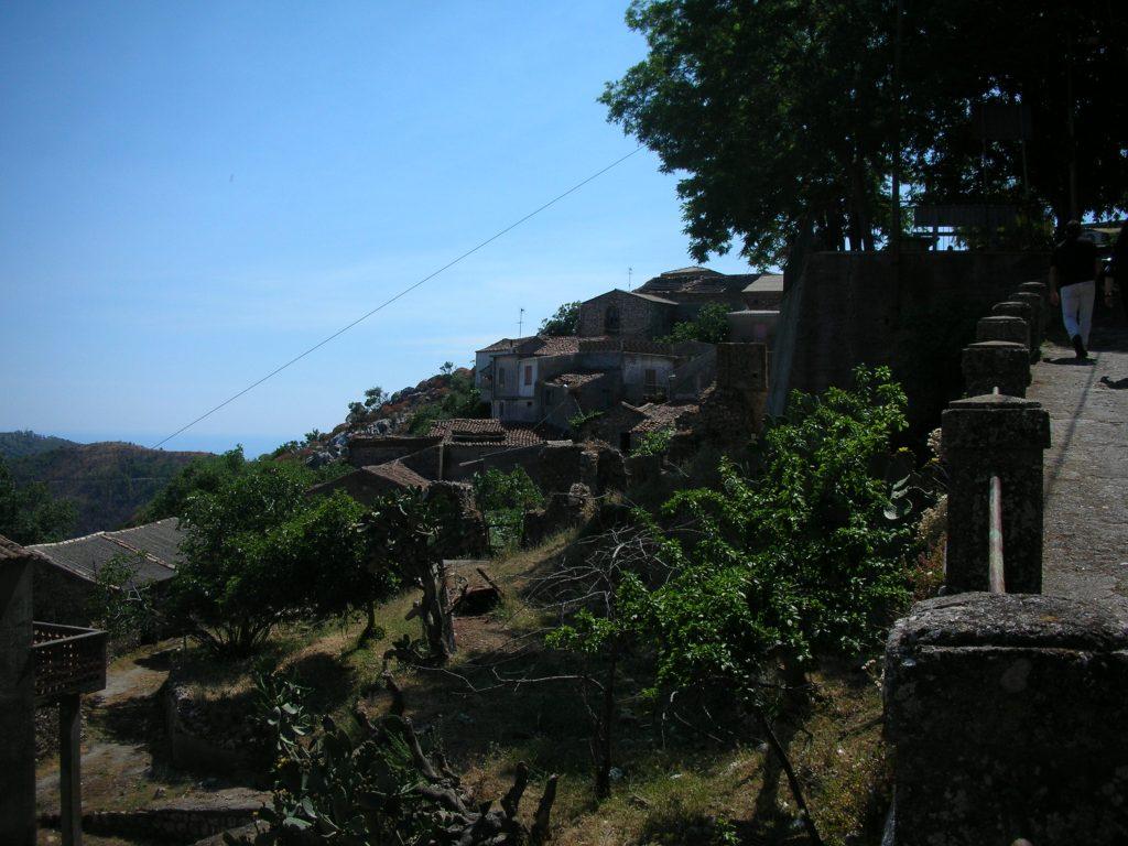 Scorcio Di Pietrapennata che è una piccola frazione del borgo di palizzi