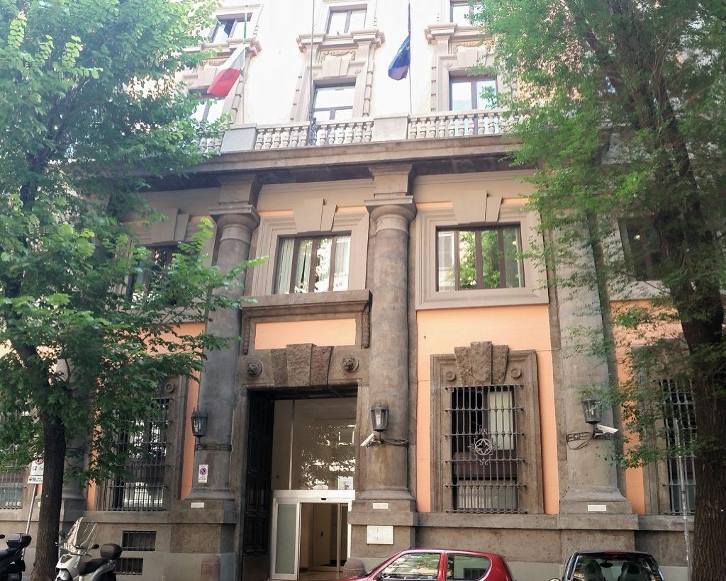 Arcuri - ingresso della sede di Invitalia