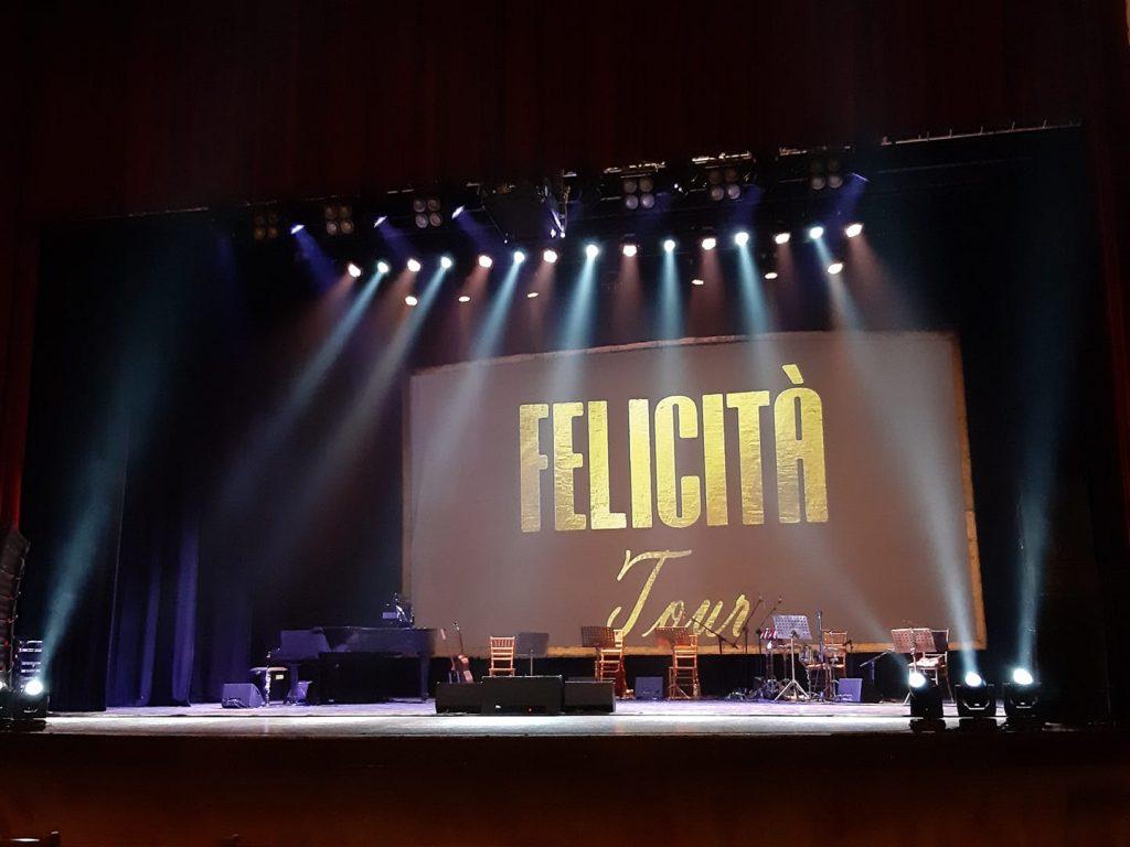 Palcoscenico Del Catona Teatro Con Lo Spettacolo Di Siani