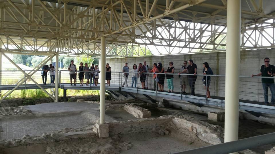 Visitatori Alla Villa Romana Di Casignana