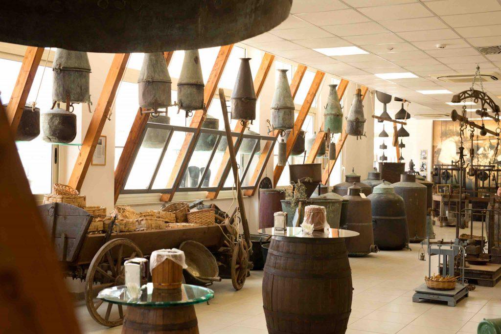 Una Sala Del Museo Del Bergamotto Visitata Dai Partecipanti All'undiscovereditaly Tour