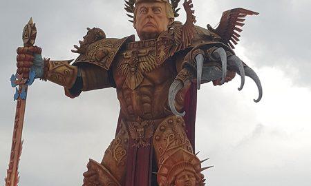 Viareggio - Carroza Con La Imagen Satirica De Donald Trump