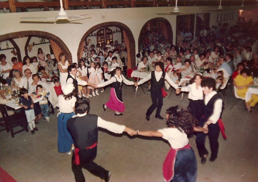 Abruzzesa - El Grupo De Baile