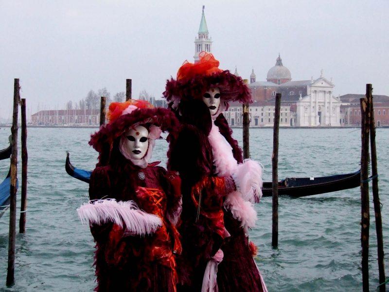 Carnaval De Venecia - Mascaras en el Gran Canal